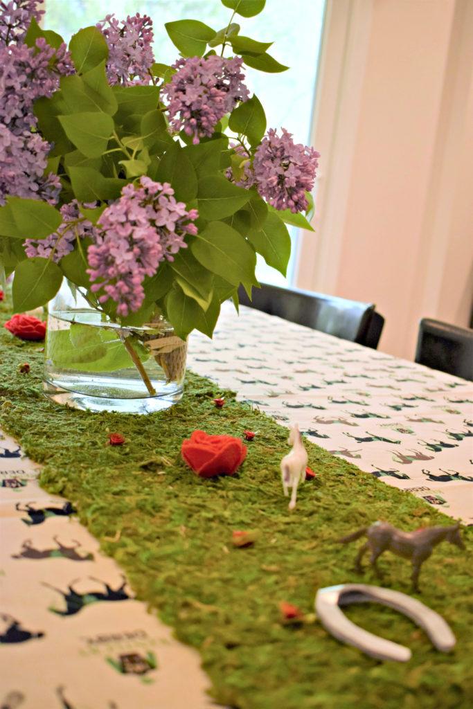 Kentucky Derby Tablescape | Kentucky Derby Table Decoration | Kentucky Derby Party | How To Derby Party | Derby Party Inspiration | Kentucky Derby | DIY Kenctucky Derby Party