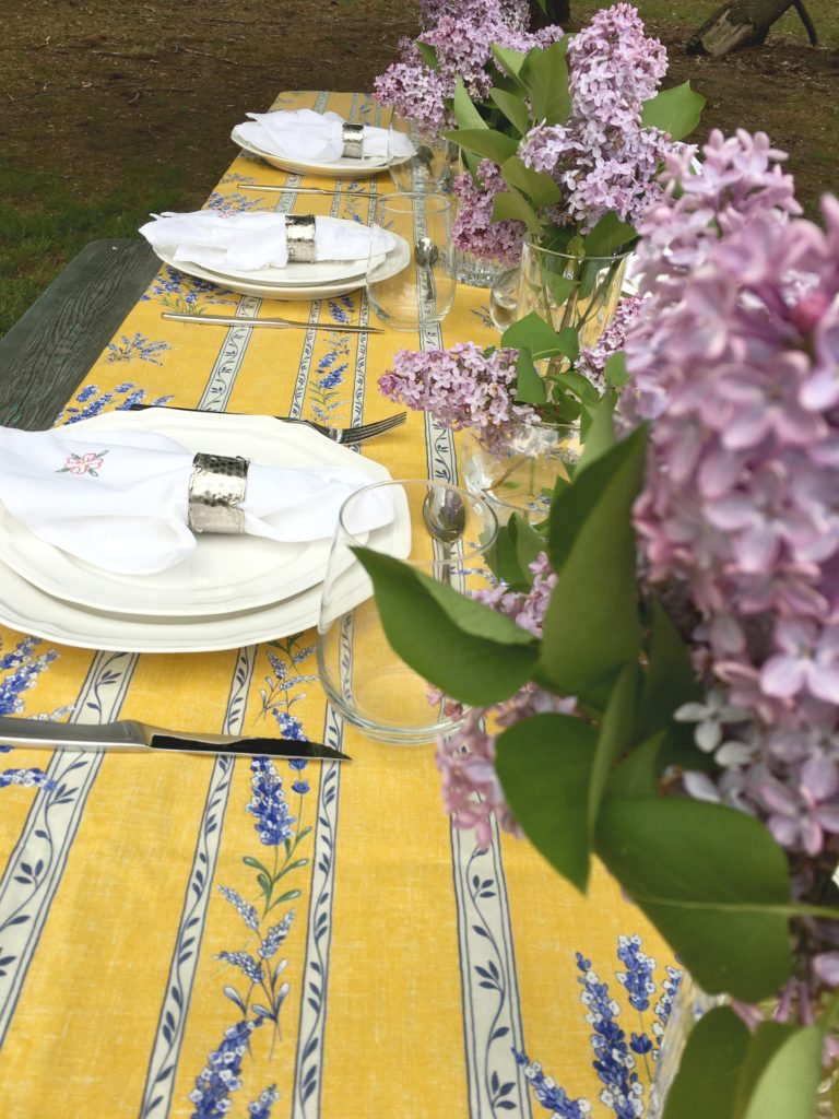 Brunch ideas   Tablescape   Spring Table Inspiration   Picnic Table   Picnic Table Decor   Mothers Day Table   Brunch Ideas   Brunch Tablescape   Picnic Ideas  