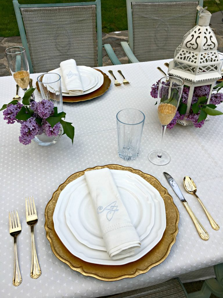 Gold Tablescape | Gold Glam Table | Girls Brunch | Spring Table Inspiration | Picnic Table | Picnic Table Decor | Mothers Day Table | Brunch Ideas | Brunch Tablescape