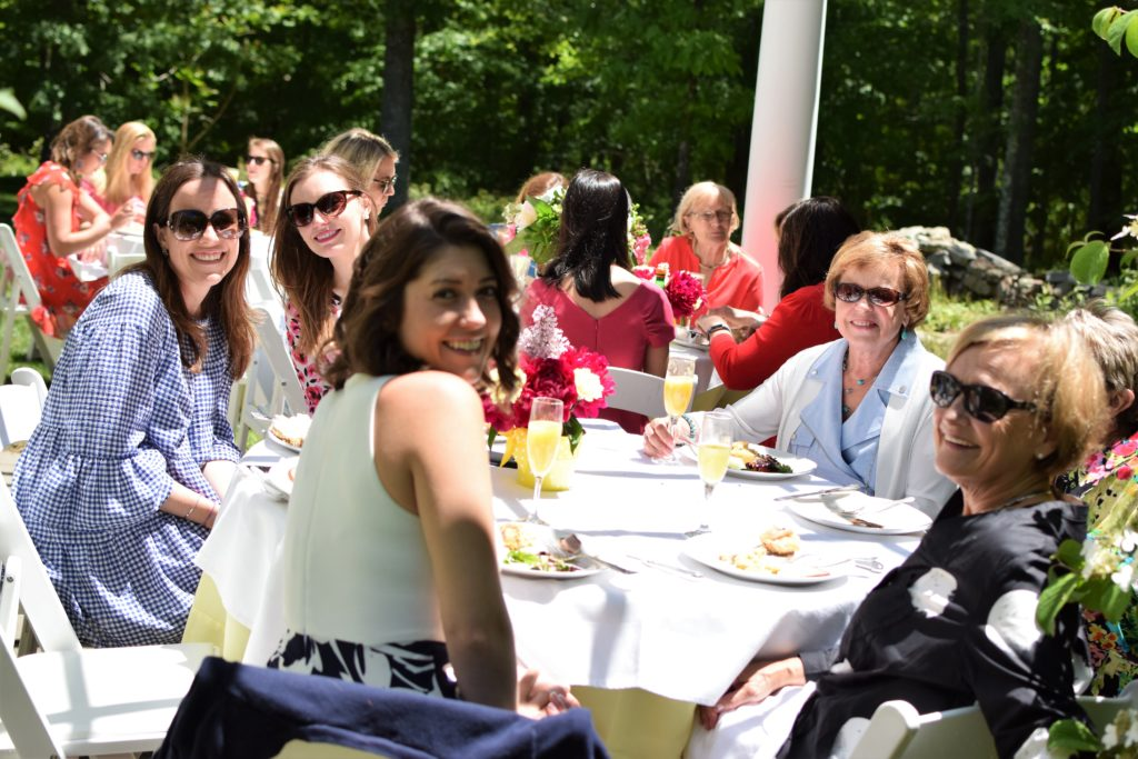 bridal shower brunch | Bridal Shower | Brunch Bridal Shower | Brunch | Yellow Bridal Shower | outdoor bridal shower | patio Bridal shower | Outdoor Brunch | Ladies Brunch