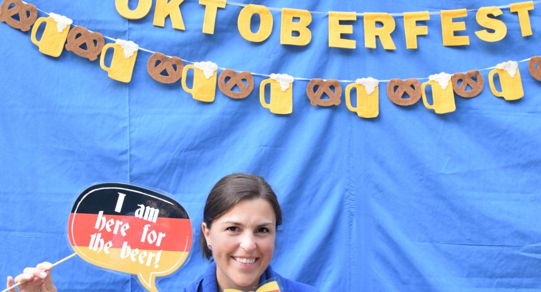 Oktoberfest Party | How to throw and Oktoberfest Party | Beer Party | Beer Tasting Party | Fall Party Ideas | Oktoberfest Party Ideas | Octoberfest Party | Oktoberfest Party Theme | Oktoberfest Theme | Adult Party ideas | Men's Birthday Ideas | Mens Party ideas | Outdoor Party Ideas | Outdoor Party theme | Easy oktoberfest party | Simply Oktoberfest Party